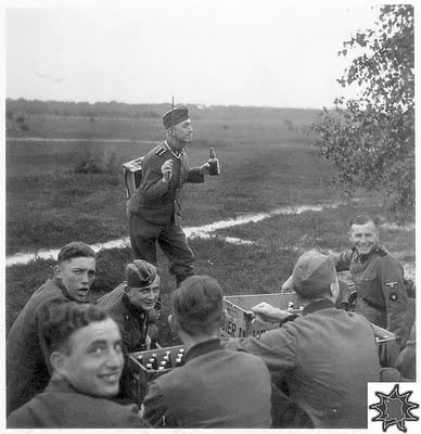 funny-photos-german-soldiers-second-world-war-russian-front-011