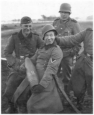 funny-pictures-german-soldiers-second-world-war-006