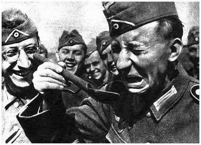 funny-pictures-german-soldiers-second-world-war-008